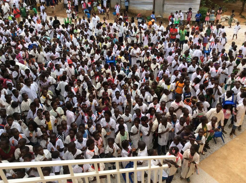 開校式に集まった入学生
